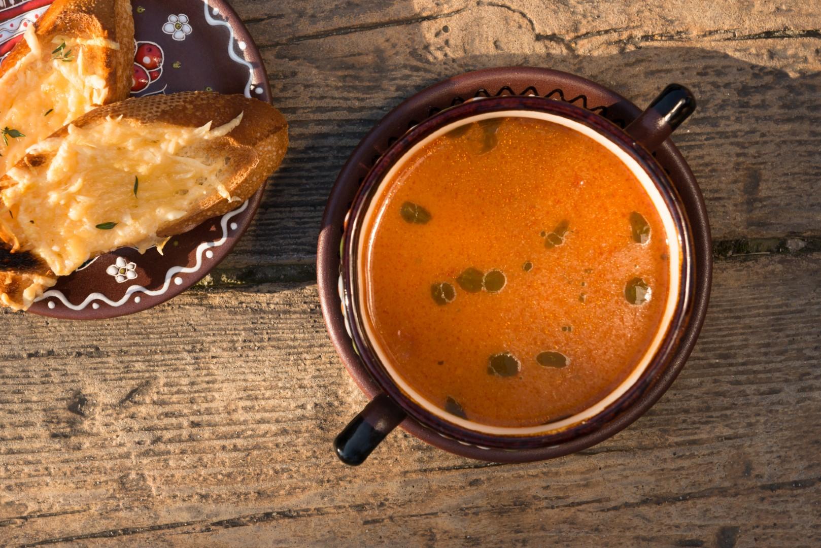 Zupa podana w kaminonce