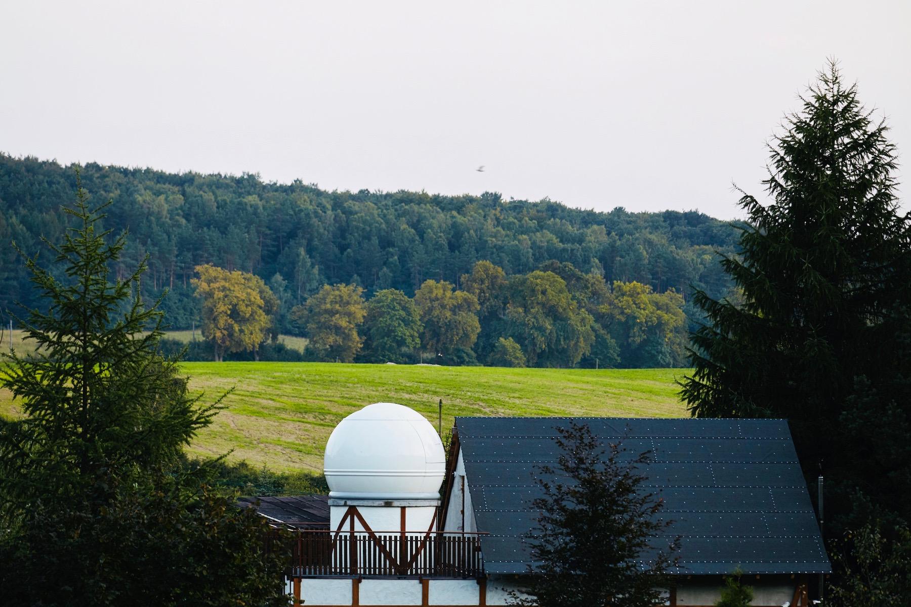 Obserwatorium astronomiczne - widok z zewnątrz