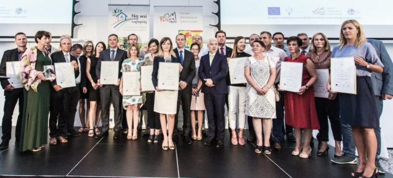 Zdjęcie grupowe laureatów